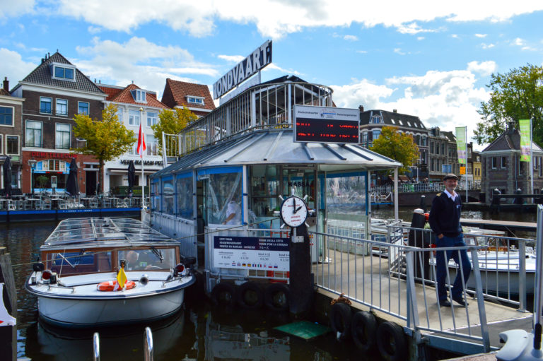 boat tour for tourists in Leiden