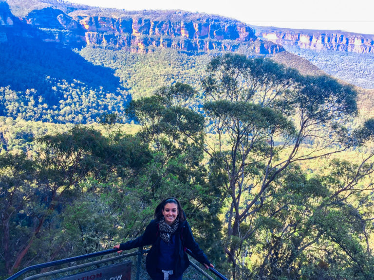 girl hiking blue mountains national park